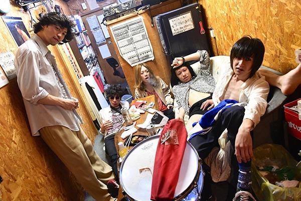 myeahns(マヤーンズ) 6/17発売の会場限定NEWシングルより「ONE HIT WONDER」MVを公開!