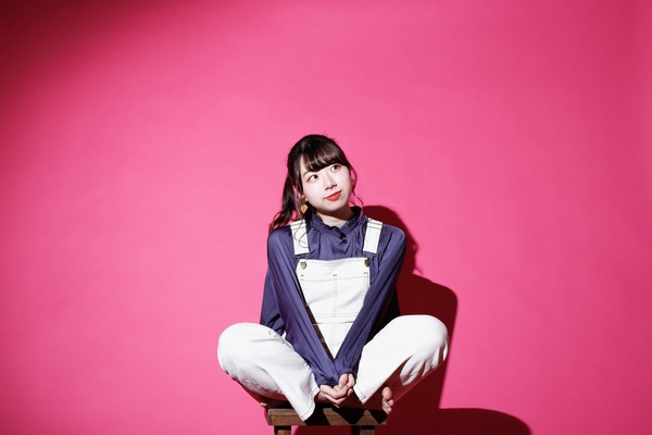 小玉ひかり さらなる前進を見据えて歌う。J-POPシーンの中で輝き出した次世代の要注目シンガーソングライター