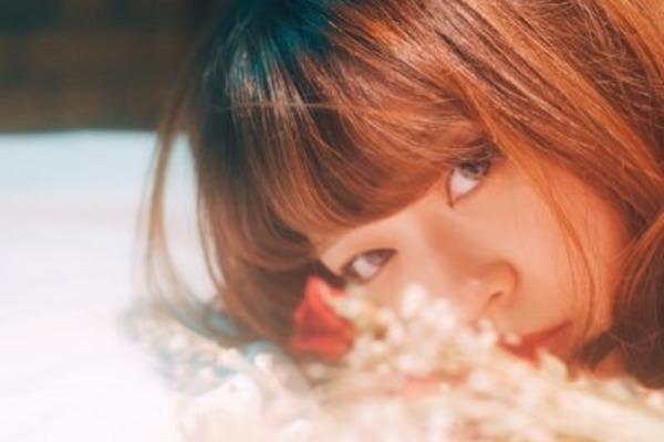 三国未来 女子の心に刺さる言葉を感情豊かに届けるシンガーソングライター