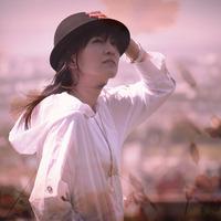 中田朝子 力強くストレートな歌声で見せるのは、人生の無常観を描いたストーリー