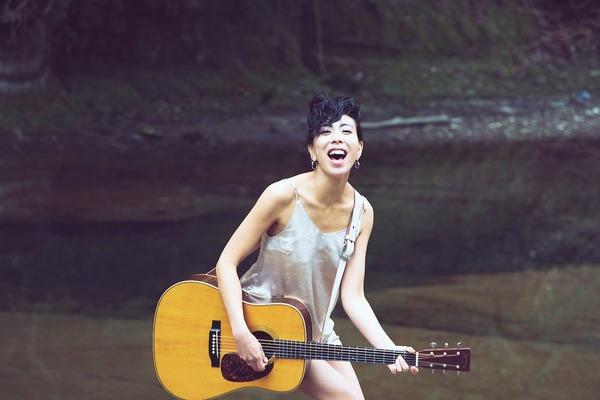 LOVE 壮大なサウンドと力強い歌声に乗せて普遍の愛を歌う