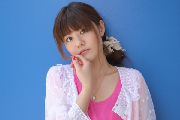 """多田葵 柔らかく包み込む歌声で優しい気持ちにさせてくれる""""エンディングの女王"""""""