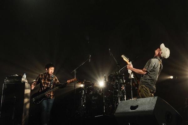 群馬のロックバンド秀吉「ロックンロール」8/3本日リリース!