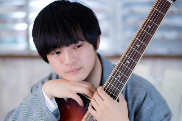 """peco ━━ 思いの丈を鳴らすギターと、リアルを綴る歌詞で本物の""""癒し""""を届ける"""