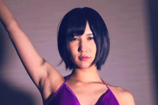 禁断の多数決メンバー・ほうのきかずなり初個展「キスミー、キスミー、キスミー」大阪にて開催