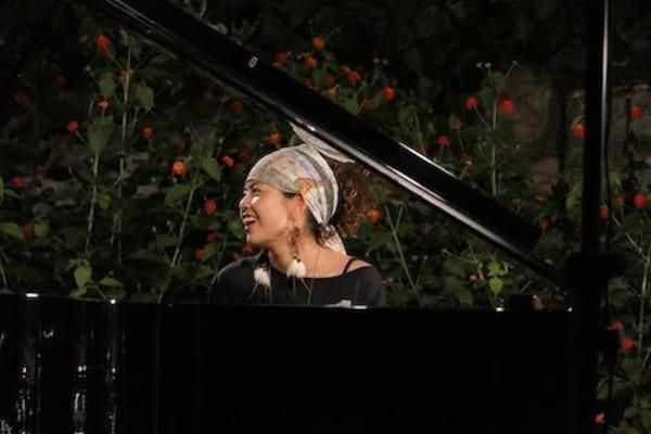 栗林すみれ 国境もジャンルも越え、様々な音楽を生み出す実力派のピアニスト