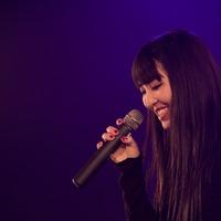 副島美羽 万人に響く黒い歌声を放つ若き歌姫
