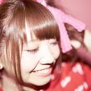 CHiKA ━━ 弾き語りとバンドのハイブリットシンガー・CHiKAのオリジナルカラーで彩られたミニアルバムに迫る!