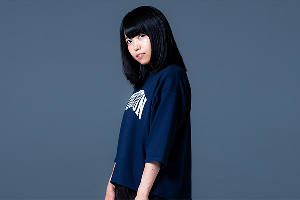 里咲りさ ━━ 元アイドルからシンガーソングライター兼社長。エモーショナルな生き方でつくる新しいアーティストの形