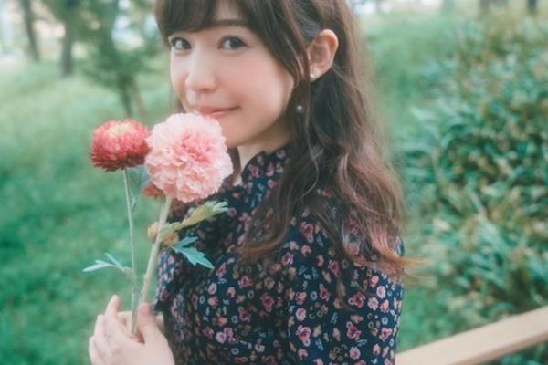 北沢綾香 楽曲の持つ色を呼び起こすボーカリスト