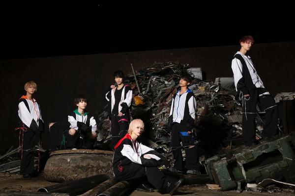 徒花TOXiC エモい和ロックを質の高いパフォーマンスで魅せるメンズアイドルグループ