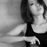 迫畠彩 ━━ ハスキーな歌声でまっすぐに強さを歌う!ワイルドな魅力が溢れる実力派シンガー