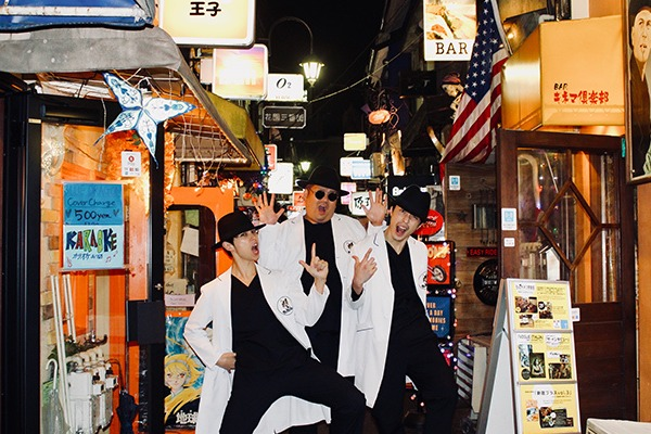 Dr.Mi-Ke ━━ 音楽で世界を治療する!? 超エンターテインメント型「ヤブ医者POPユニット」
