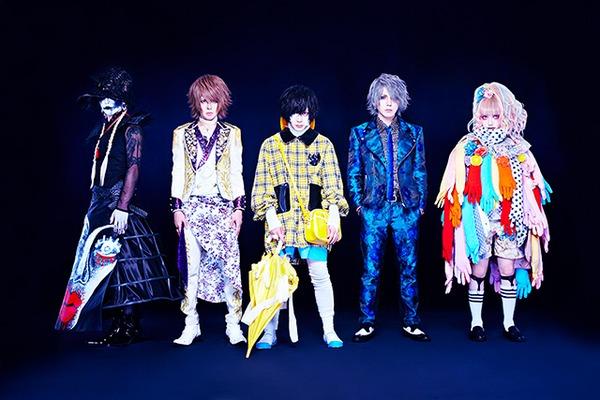 "SHiSHi ━━ ""個性""で世界をぶっ壊せ!パワフルなバンド・サウンドとシニカルなフレーズで今を斬るアンチヒーローズ"