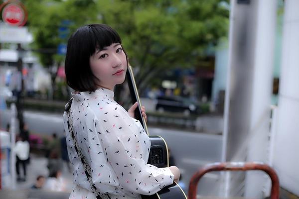 八島未樹 東京の路上から伝えるストーリー、そこから広がる音楽と人の輪