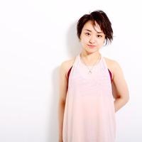 Konishi Rina ピアノと歌と踊りで世界観を描き出す表現者