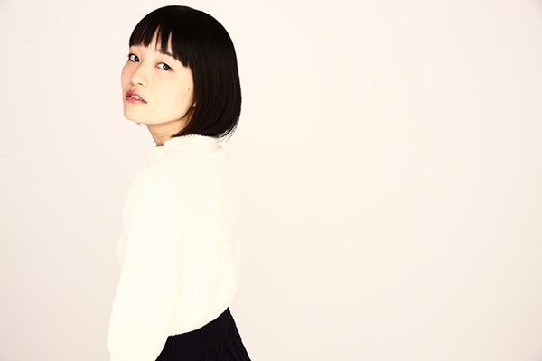 """中村仁美 ━━ 飾らないストーリーと優しい歌声で魅せる、唯一無二の""""シンガーソングライバー"""""""