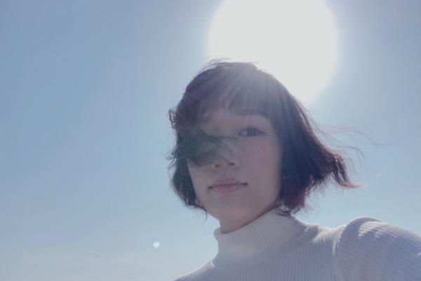 森田理紗子 感情的で描写力の高いその歌声は、楽曲の世界観を目の前に映し出す