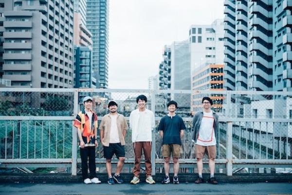 荒川ケンタウロス 普遍的な音楽世界を歌い上げながら、新たな道を歩み始めた5人組ロックバンド