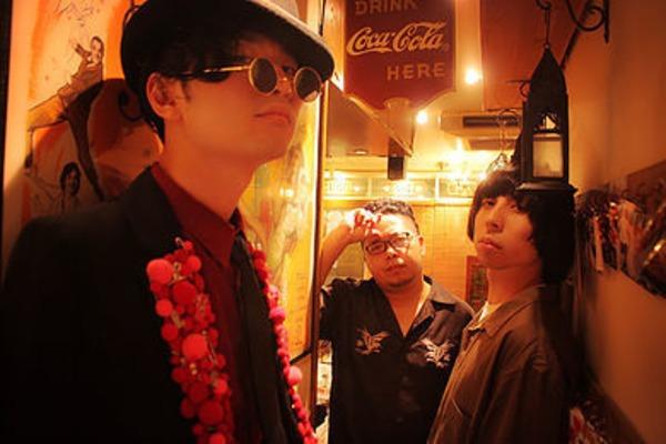 ぱるてのんず ━━「1か月3万円」でバンド活動!?独自のスタイルでロックシーンを突き進む異色のパンクロック3人組に迫る!